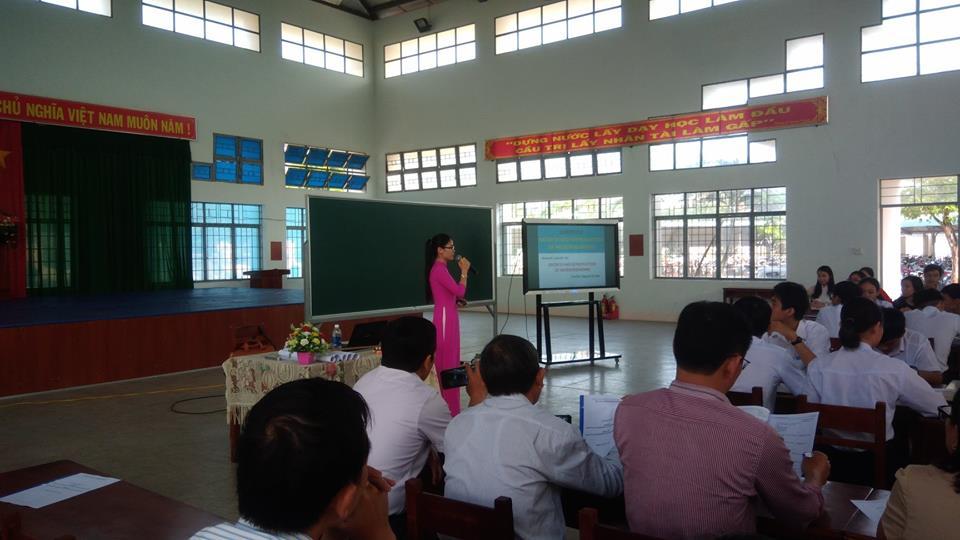 Buổi tập huấn giáo viên THPT dạy Sinh học bằng Tiếng Anh (ngày 06 tháng 03 năm 2019)