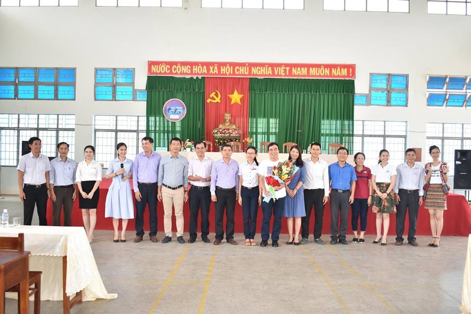 Hoạt động hướng nghiệp cho học sinh của trường THPT chuyên Chu Văn An