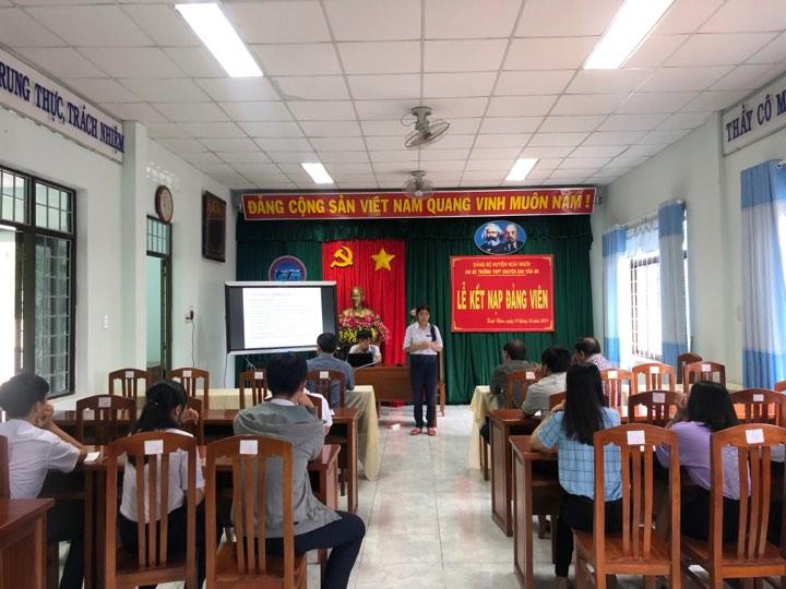 Cuộc thi KHKT cấp trường ngày 19/10/2019 của Trường THPT chuyên Chu Văn An